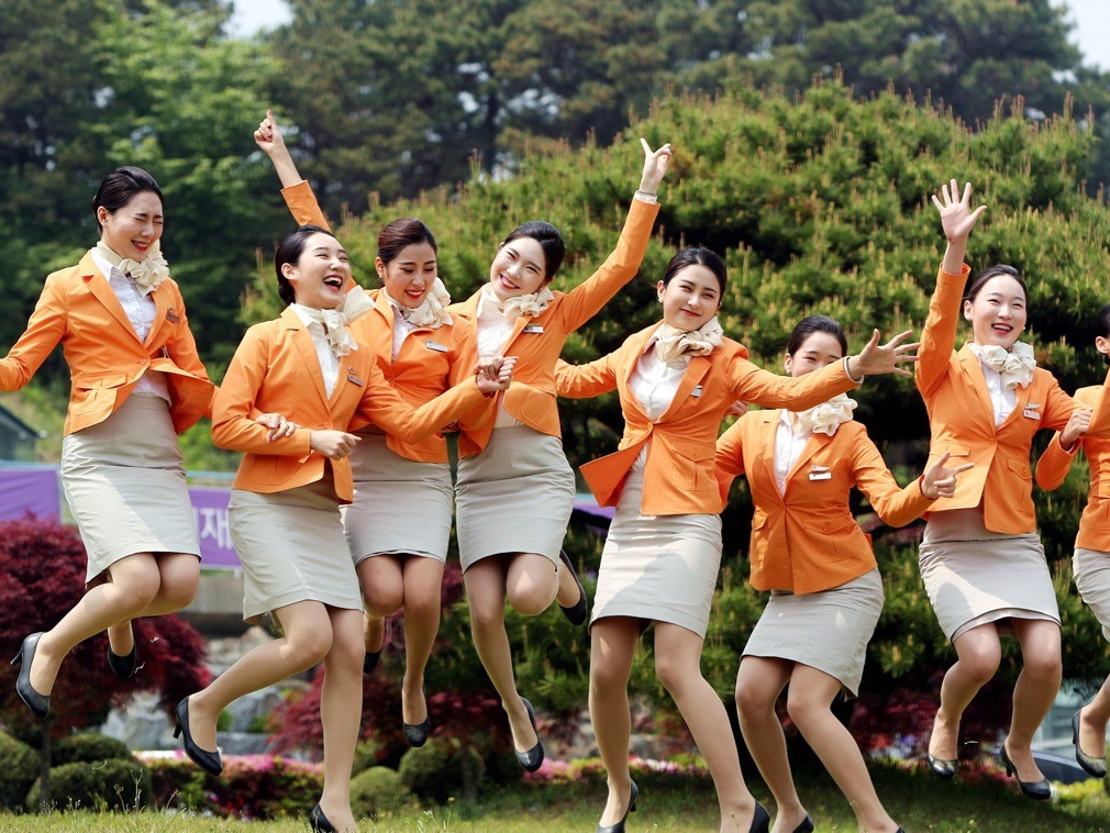 准空姐拍制服毕业照,个个高颜值大长腿