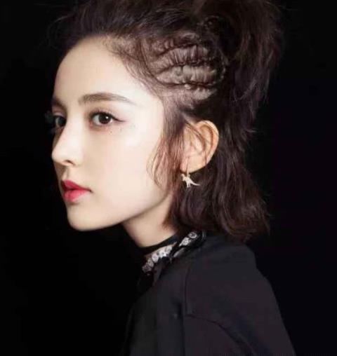 少女感十足的短发汉服发型