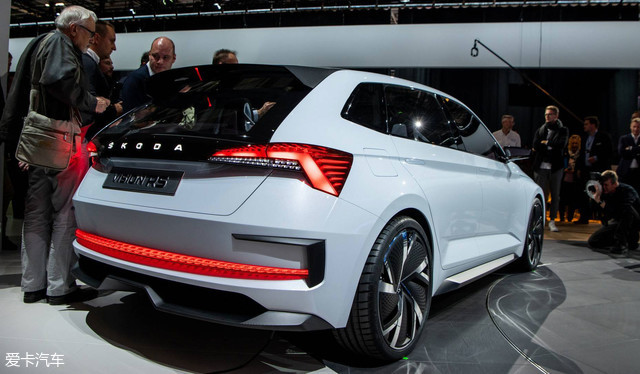 内燃机要亡?这些国际知名车企都在推新能源车了!
