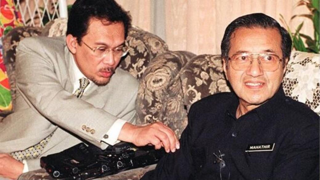 指定接班人:马来西亚92岁马哈蒂尔:一两年后交棒安华