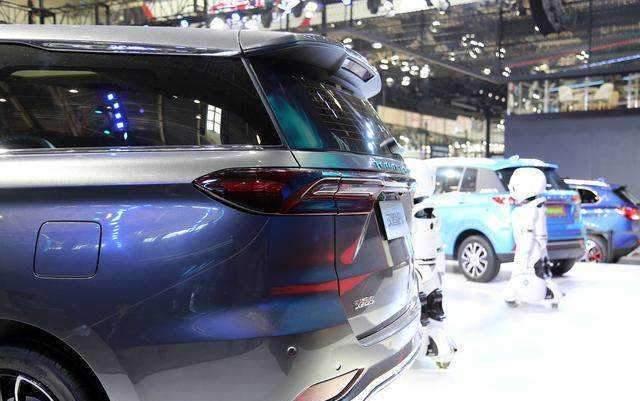 汉腾MPV亮相北京车展,看上去相当霸气,极具商务派头