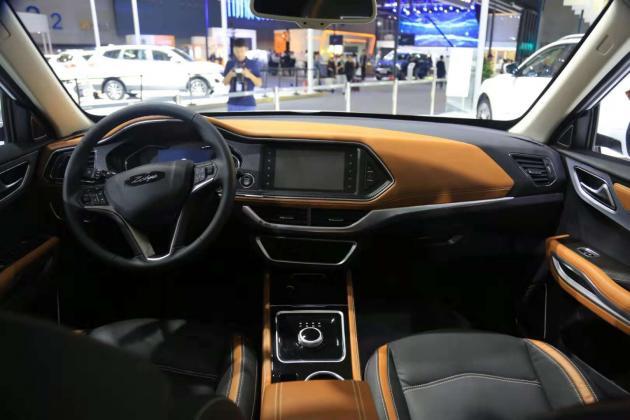 众泰ET450亮相广州车展 T300 EV的升级版