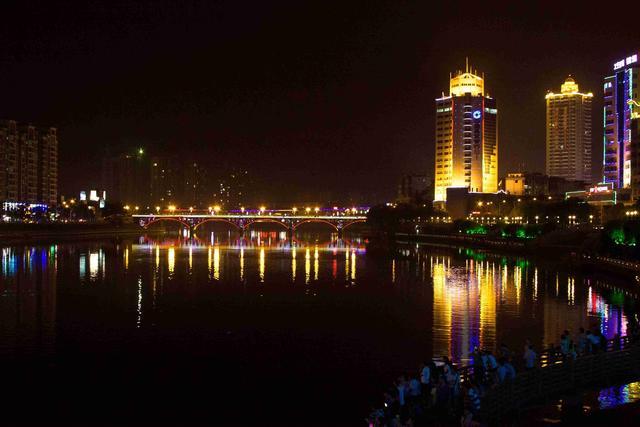 河源市各区县面积人口:东源县面积最大,龙川县