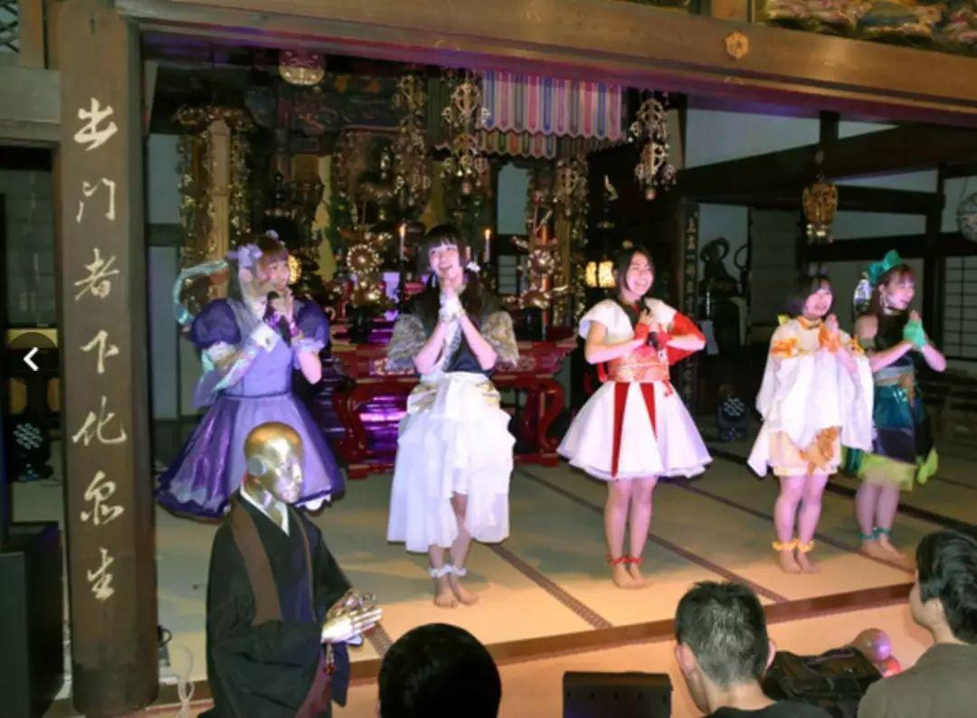 860斤最胖女团,小学生穿比基尼走性感风…日本偶像组合真神奇!