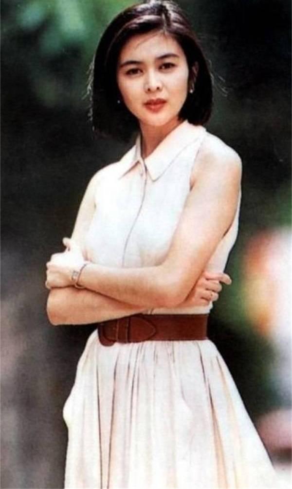 關之琳有多美?看了她年輕時候的照片,劉亦菲也自慚形穢圖片