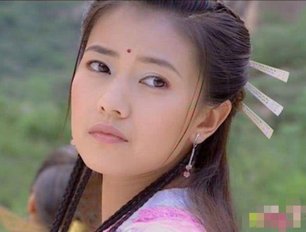 古装美女回眸一笑,杨幂清纯,唐嫣妩媚,却都不及她惊艳!