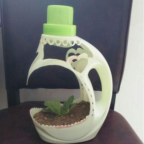 我要扔空洗衣液瓶子,媳妇骂我傻,自制的小花盆超美哦!