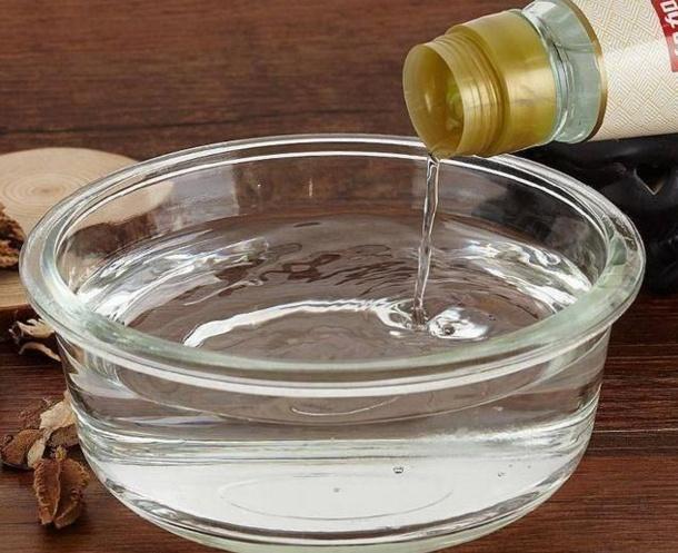 具体使用方法:材料:洋葱,水,鲶鱼去皮高清大图将洋葱替换洗净,切臭水沟钓白醋图片
