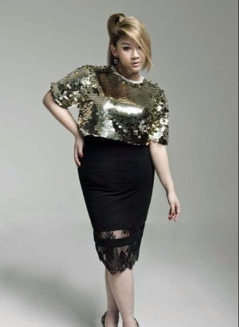 郑少秋女儿瘦了50公斤,颜值大变,曾经的照片任谁看了都心动!