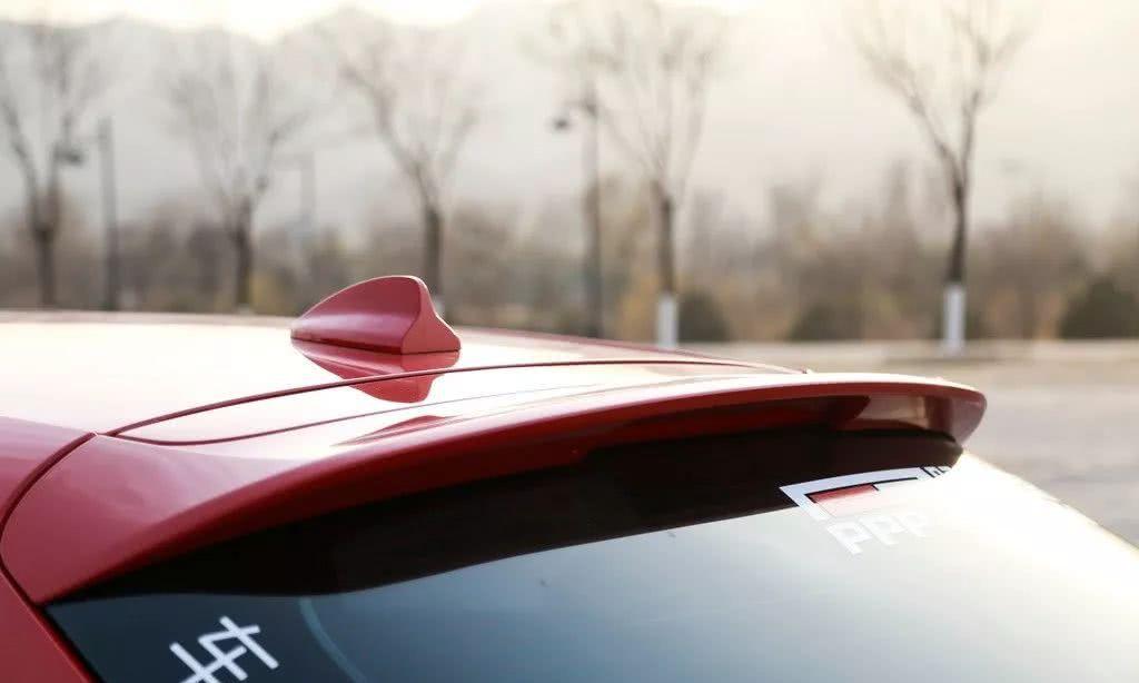 车主故事:一位朋友竟然把15万的小车改成了法拉利!