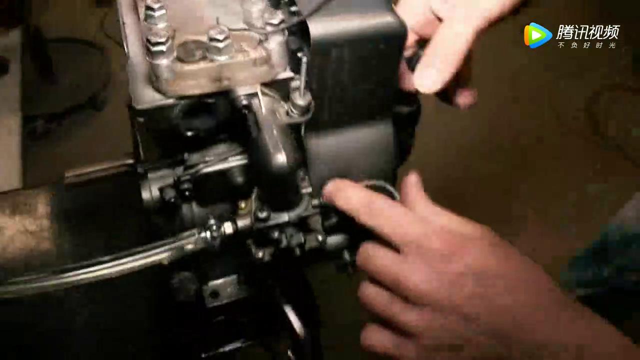 透明发动机模型观看汽油在发动机<em>燃烧室</em>工作,汽油机工作原理