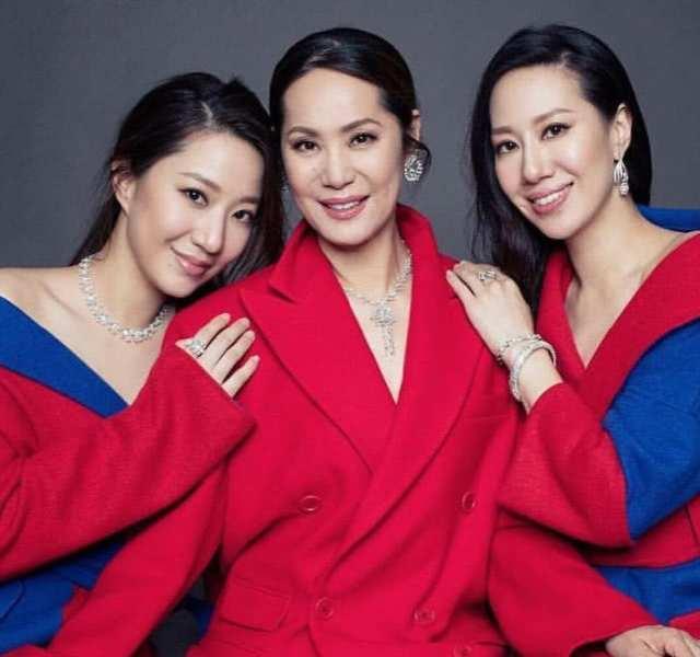 甄子丹为岳母庆祝61岁大寿,岳母气质胜过两女儿,孙女像极外婆