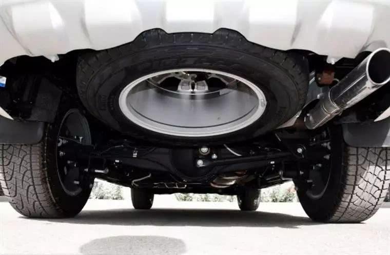 卡车底盘+强力四驱,这三款硬派SUV野起来连霸道都怕!