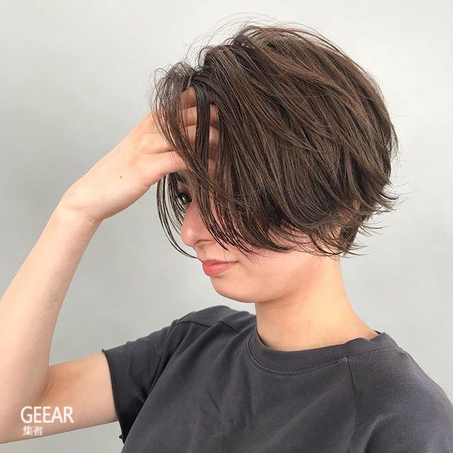 空气感微曲短发:日本女生今夏大爱的发型灵感!图片