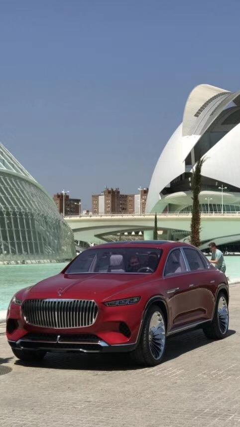迈巴赫跨界SUV概念车首现街头 或将实现量产