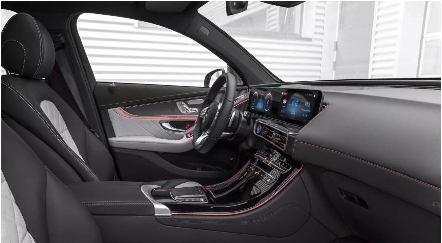 梅赛德斯首款纯电动SUV EQC车型亮相 续航500公里