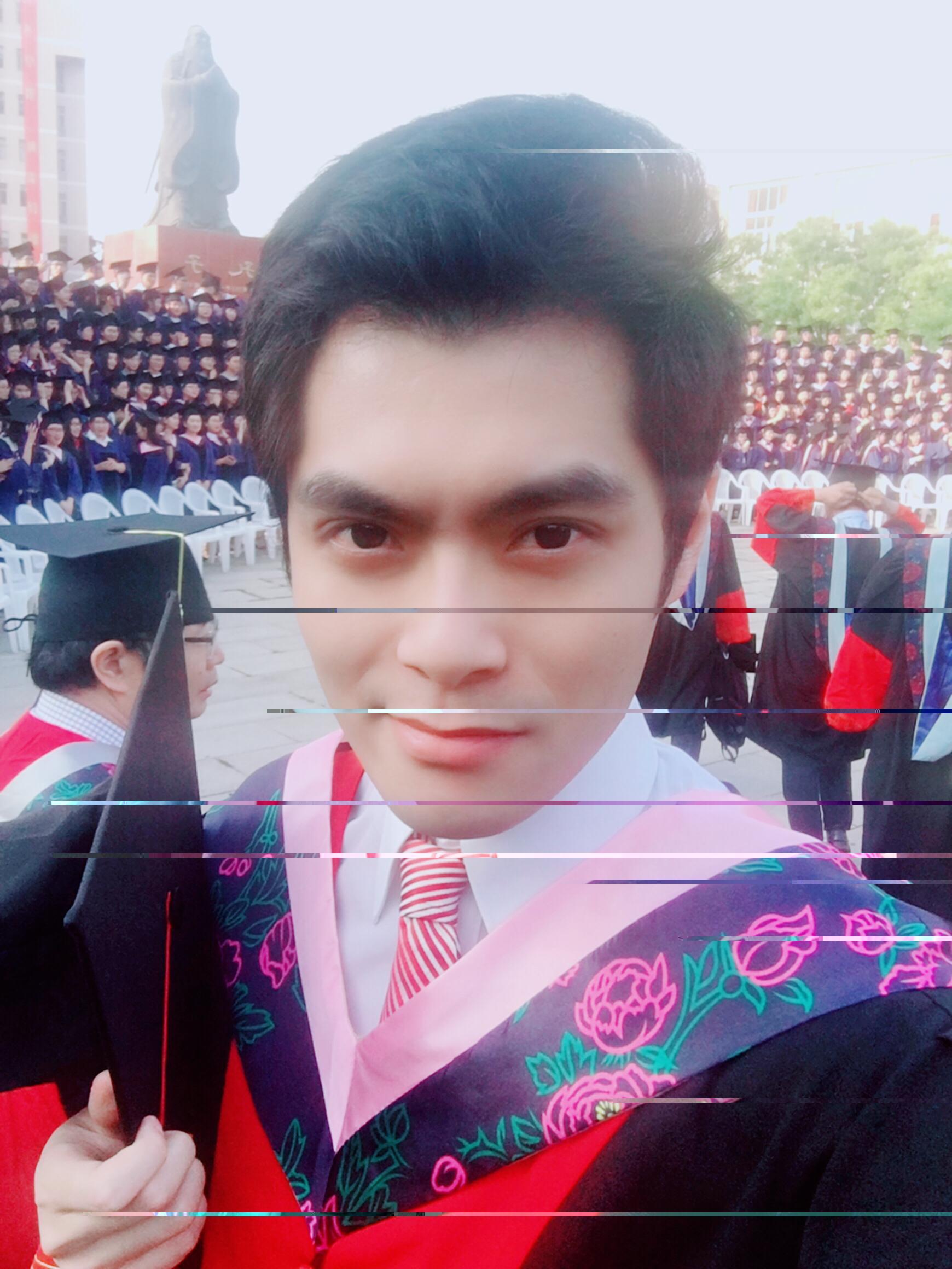 孔子故里曲阜师范大学校草 最帅博士毕业照