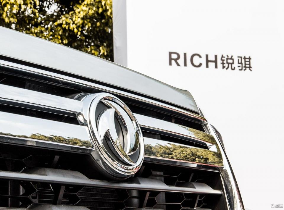 实拍2018款郑州日产锐骐皮卡 两驱标准型