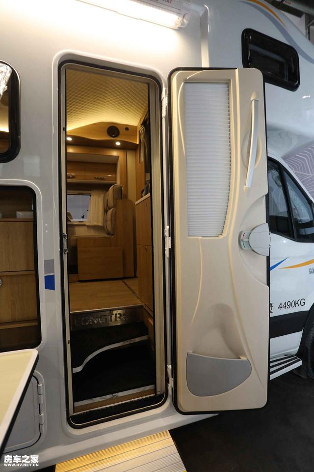 房车旅行水电无忧 自由风房车提供完美的解决方案