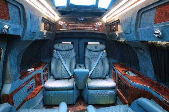 爆款热销GMC房车天玺版G760静态体验