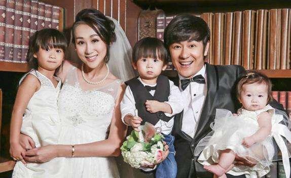台湾女星嫁小男友,婚后四年为求子打百次排卵针,如今喜得龙凤胎