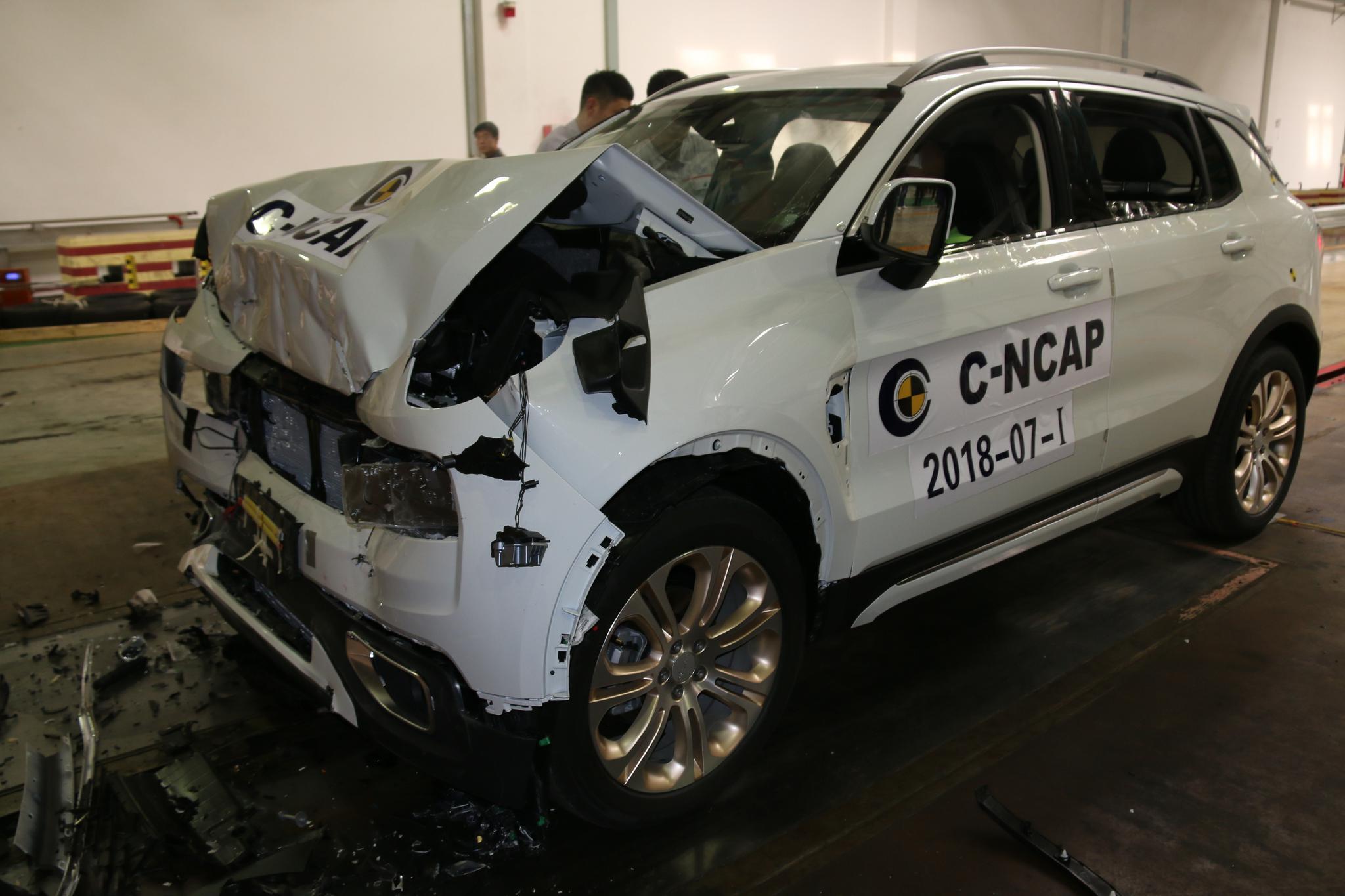 领克01C-<em>NCAP</em>正面碰撞测试结果不理想 车体、假人不同程度损伤