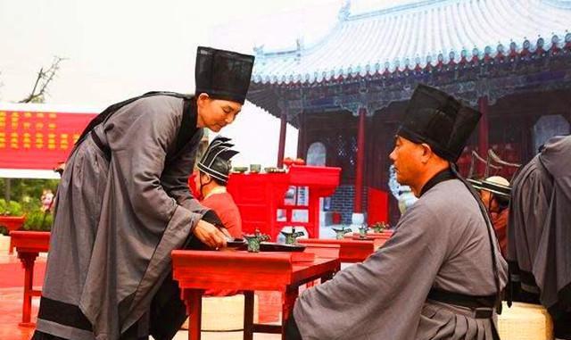 山东酒文化源自哪里?为什么山东人特别注重酒场礼仪?