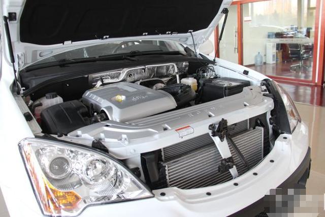 荣威W5搭载一台2.0T发动机,国产硬派越野,就连马云也投资它