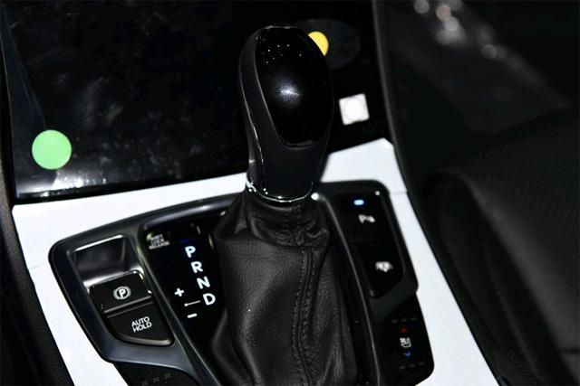 雅尊作为一款进口中型车,它在韩国的销量可是数一数二!