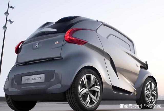 标注致在中国市场铰出产此雕刻台小型车,就卖壹万元,比家里的摩托强大
