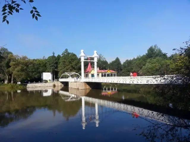 旅游:扎兰屯百年吊桥美景集合