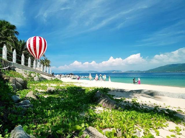 菲律宾长滩岛封岛游客不舍离去,海南岛五一开门迎客能否游客如潮