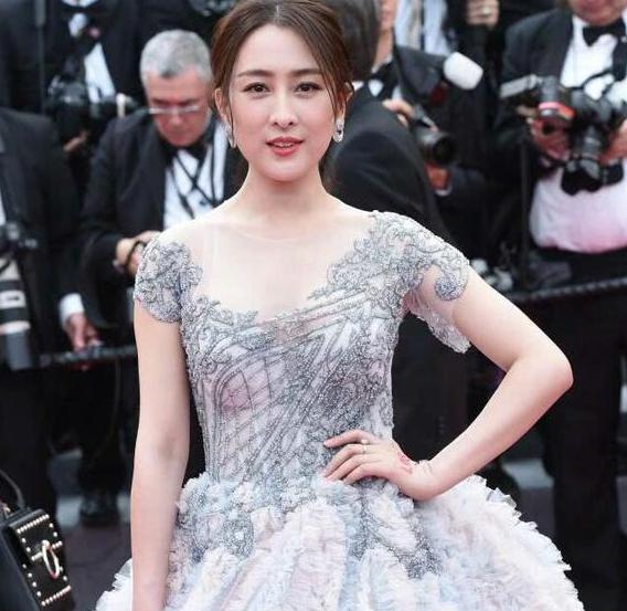 大家都知道马苏在戛纳霸占红毯的事,众所周知戛纳红毯上厨房众多,留明星a厨房的韩国电影图片