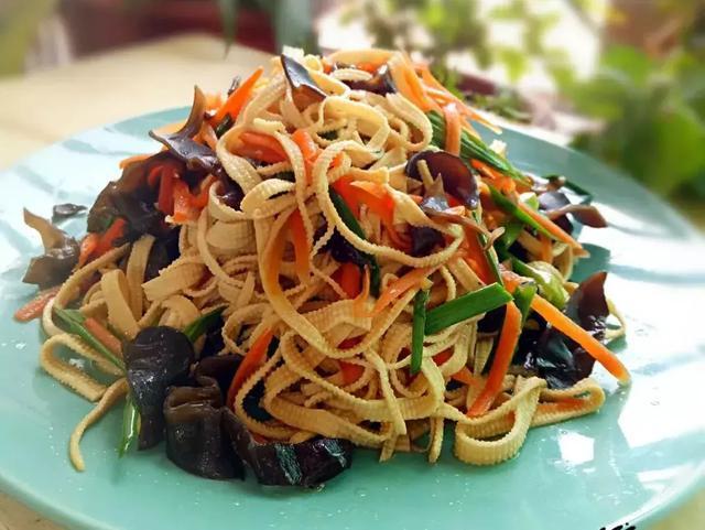 天气热了,到该吃凉菜的季节了!分享几道我家经常吃的家常凉菜!