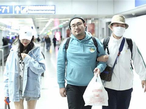 杜海涛与女友沈梦辰同行为啥挽着的却是男助理?