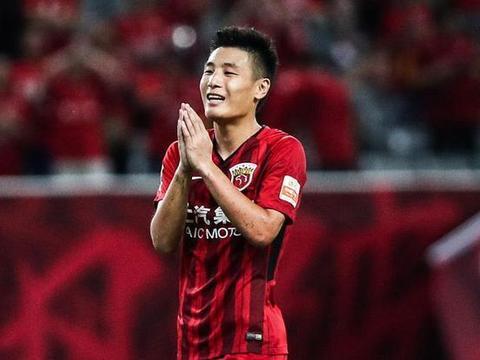 吴磊+足球