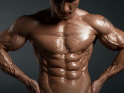 跟着这6组动作练胸肌,让你打造出更强大的胸部肌群!