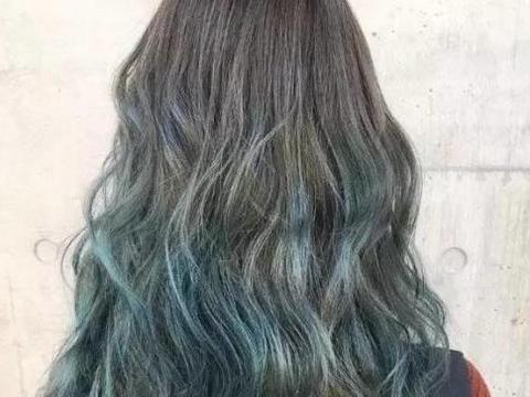 想知道自己适合染什么颜色的头发?抓准这几点,闭眼染出来都好看图片