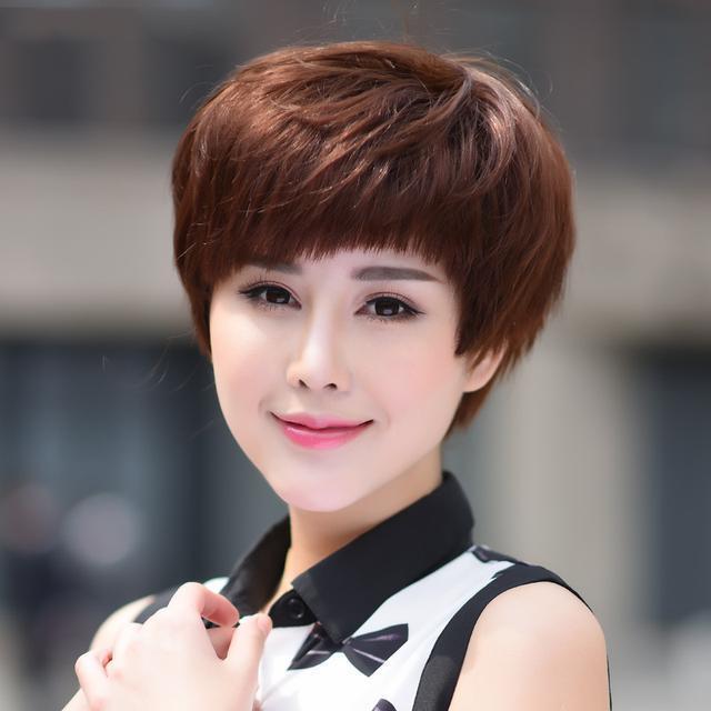 40多岁烫哪种发型年轻 适合40岁女人烫的头发图片