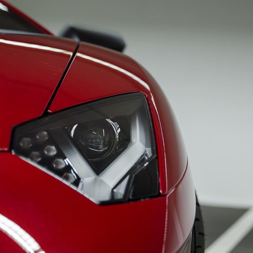 红博基尼Aventador SV 嘿嘿!
