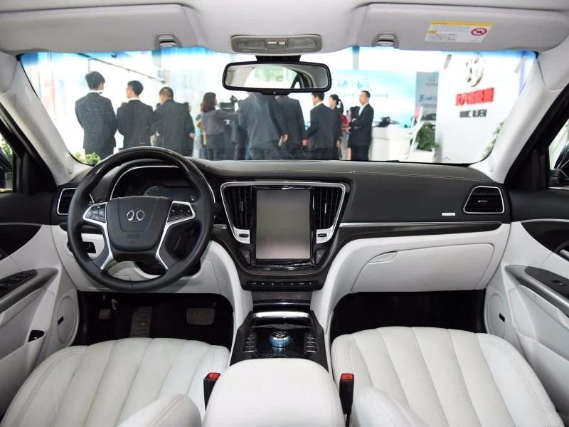 最傲娇的国产车,三年销量不过10台就是不降价,车企:爱买..