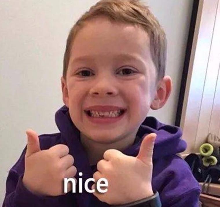 他是继宋民国成最受欢迎表情!假笑男孩上线一个自拍的图片表情图片