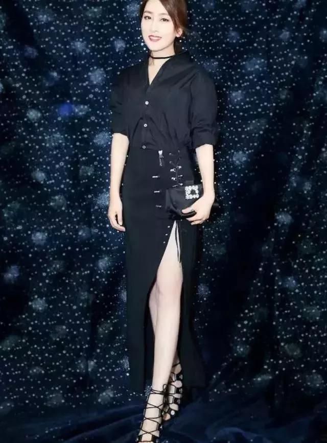 马苏不了解自己体重,小码裙子露出副乳,超级尴尬!