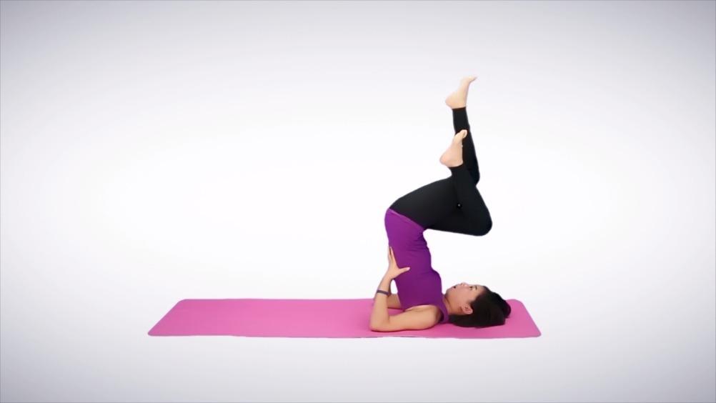 运动教室【每日瑜伽体式——龟式】这个体式可以帮助我们加强脊柱图片