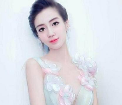 女星手绘:赵丽颖惊艳,杨颖变网红脸,刘诗诗有气质,图五认不出