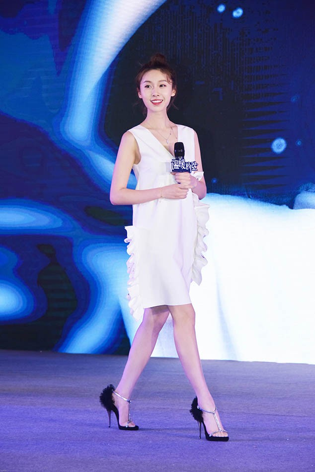 《温暖的弦》开播发布会 王子璇现场分享少女感悟