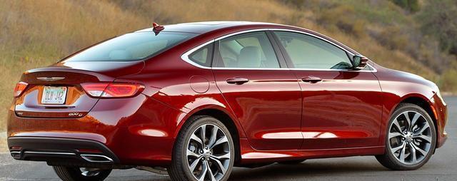 品牌豪华不输奔驰, 长5米配V6, 仅16万却卖不过迈腾导致停产?
