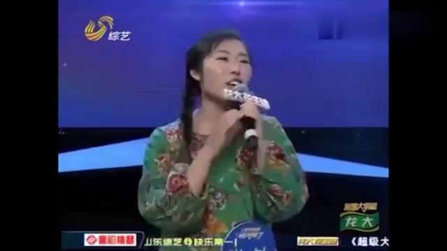 大姐跟姜桂成搞笑表演《上海滩》,谁知剧情大反转,笑翻众人!