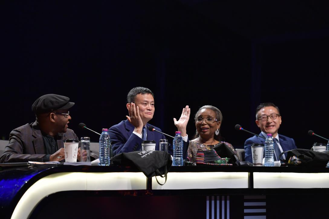 马云上演综艺首秀,参与非洲版《赢在中国》,给予100万美元奖励