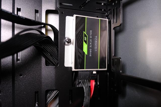 让电脑快起来最有效的办法,东芝TR200系列固态硬盘装机体验